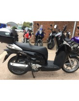 honda sh300 twist and go scooter  2008 heated grips and top box